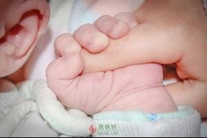 中国养孩子贵,美国就会便宜吗?