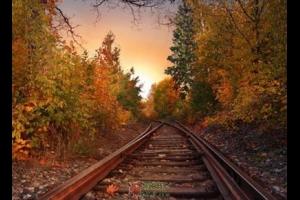 那铁轨延伸的远方