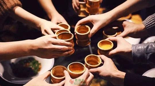 """被中国式酒局文化""""杀死""""的中年人"""